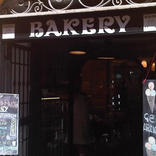 Trastevere: Valzani va, Bakery arriva