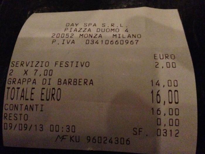 """scontrino bar monza con """"Servizio festivo"""""""