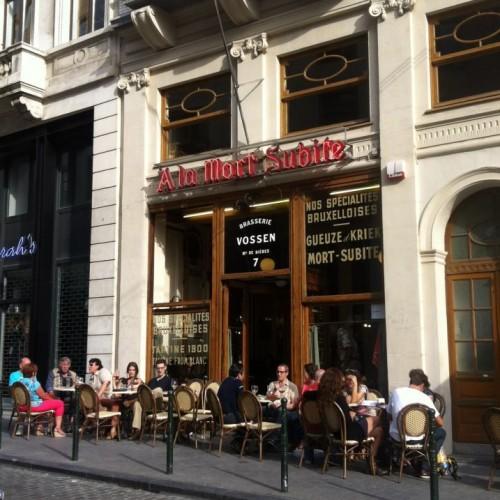 Bere birra a Bruxelles (e capire la differenza tra birra trappista e d'abbazia)