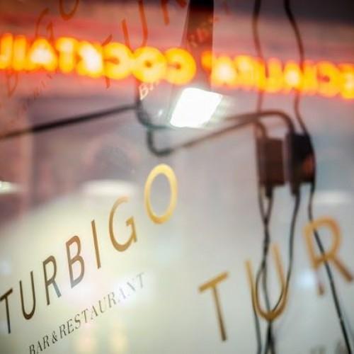 Apre a Milano Turbigo, il ristorante senza orari con il menu playlist: plumcake e linguine alle vongole