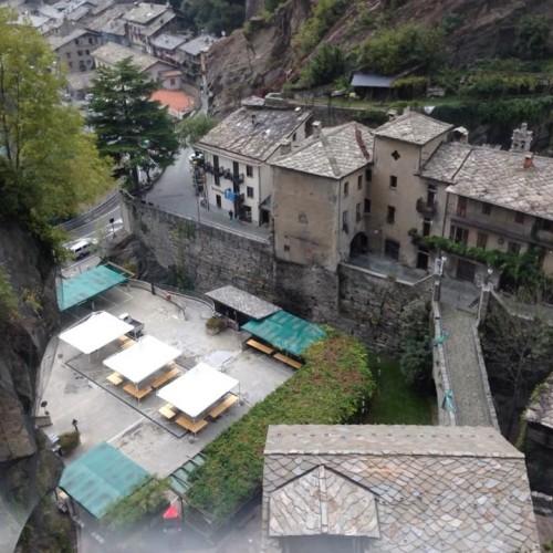 Il vino in Valle (d'Aosta), un weekend e un libro per scoprire i vigneron più artigiani e piccoli d'Italia