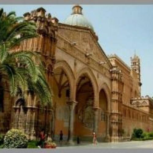 """""""Streat Palermo tour"""": un percorso a piedi tra le piazze storiche e il cibo di strada"""