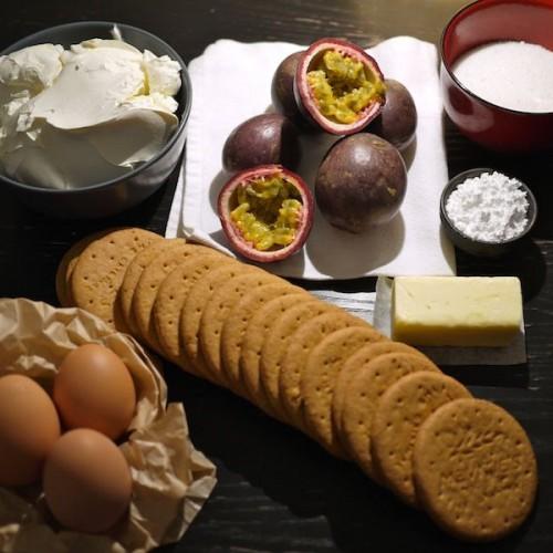 Cheesecake al frutto della passione: facciamo un po' di chiarezza tra le mille ricette di questo dolce americano