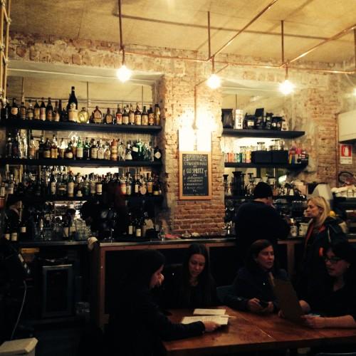 Taglio a Milano, cassoeula, cotoletta sbagliata e formaggi straordinari in via Vigevano