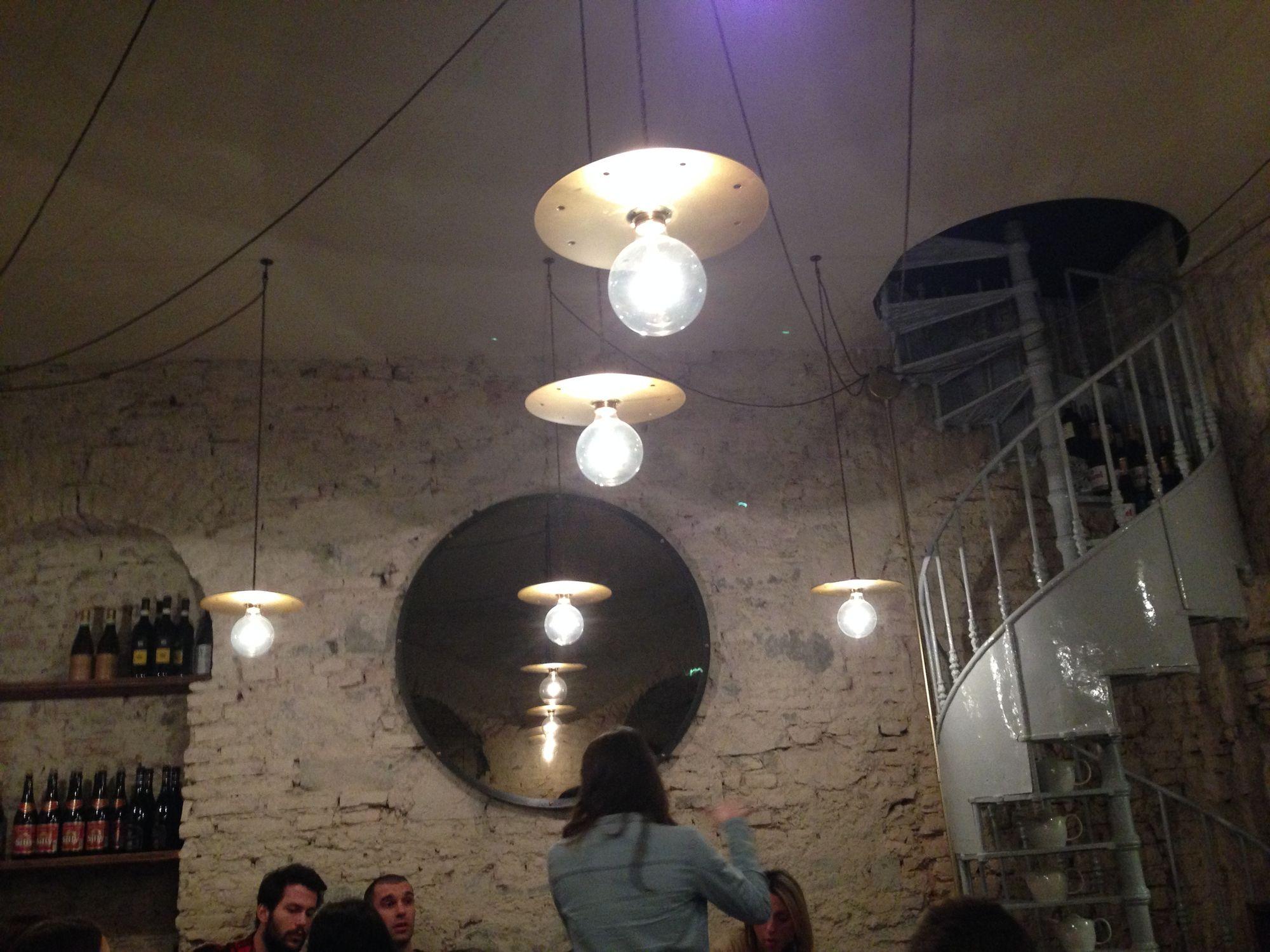 Fishbar de Milan a Brera, pesce sì ma divertente, con crudi, thai soup e fishburger – Puntarella ...