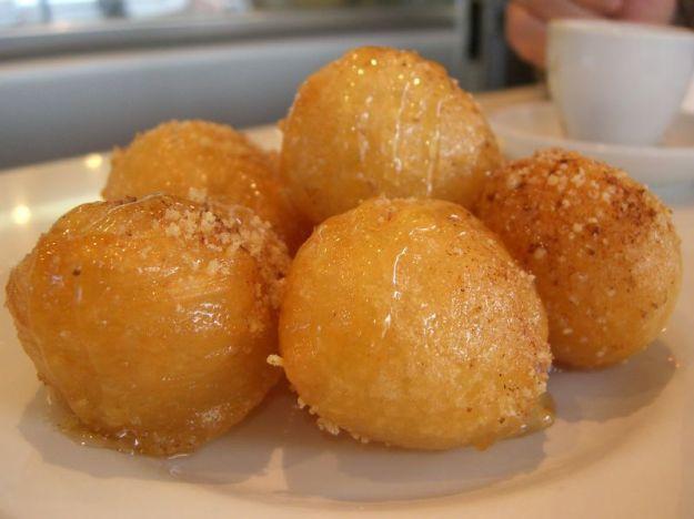 frittelle-greche-al-miele-ricetta-carnevale