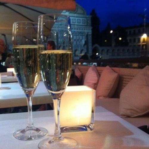 Aperitivo all'aperto a Firenze, dieci proposte tra piscine, parchi e terrazze