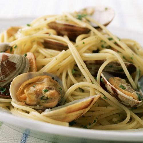 I migliori ristoranti di Napoli: dal Calasole di Posillipo a Nennella ai Quartieri, dall'Europeo alla Stanza del Gusto del centro storico