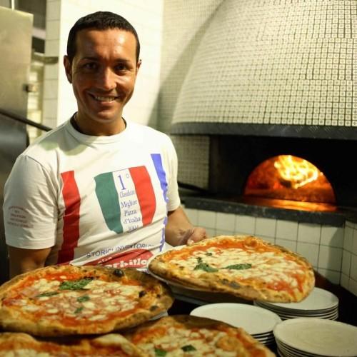 Gino Sorbillo a Milano, Lievito Madre apre il 20 ottobre. A Napoli arriva la pizza fritta di zia Esterina. E a Roma…