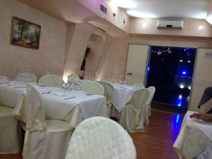 Matrioska ristorante russo a roma con karaoke - Ristorante con tavoli all aperto roma ...