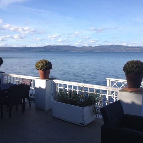 Lo Chalet del Lago ad Anguillara, mangiare sull'acqua con una vista speciale