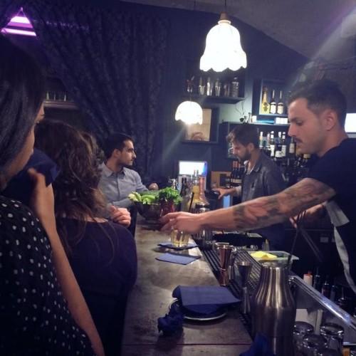 Drink e musica questa sera da The Gin Corner e Apartment Bar