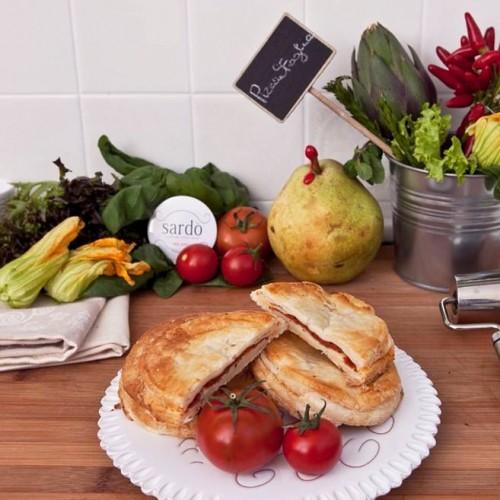 Sardò a Milano, Sardinian streetfood a base di mustela e pane carasau