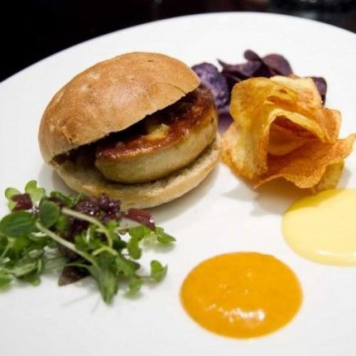 Umami, il quinto gusto conquista gli chef: dall'hamburger di Bowerman all'amatriciana di Gozzoli