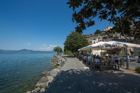 Dove mangiare al lago di bracciano trevignano e for Mangiare vicino al giardino di ninfa