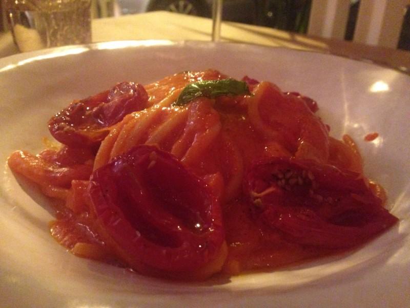spaghetti al pomodoro misticanza
