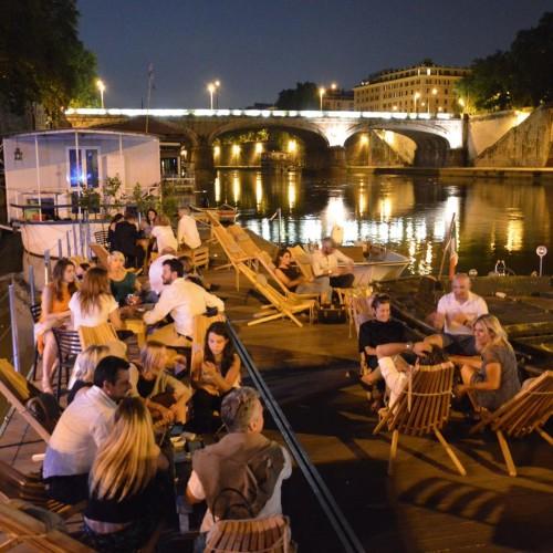 I cocktail di Broccatelli questa sera da Litro a Roma e l'Aperlitivo da Baja. Cena al buio da Ketumbar
