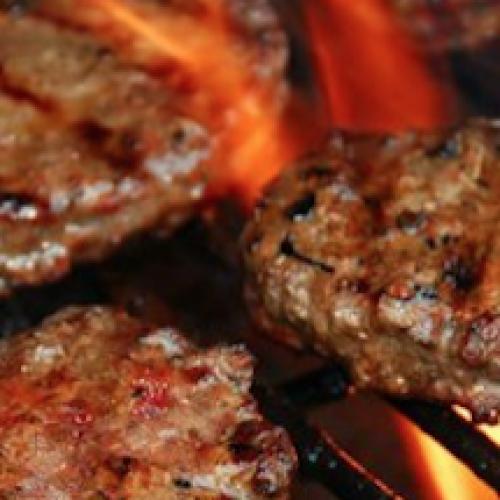 Hamburger, salsicce, il cancro e l'Oms: l'allarme e l'allarmismo