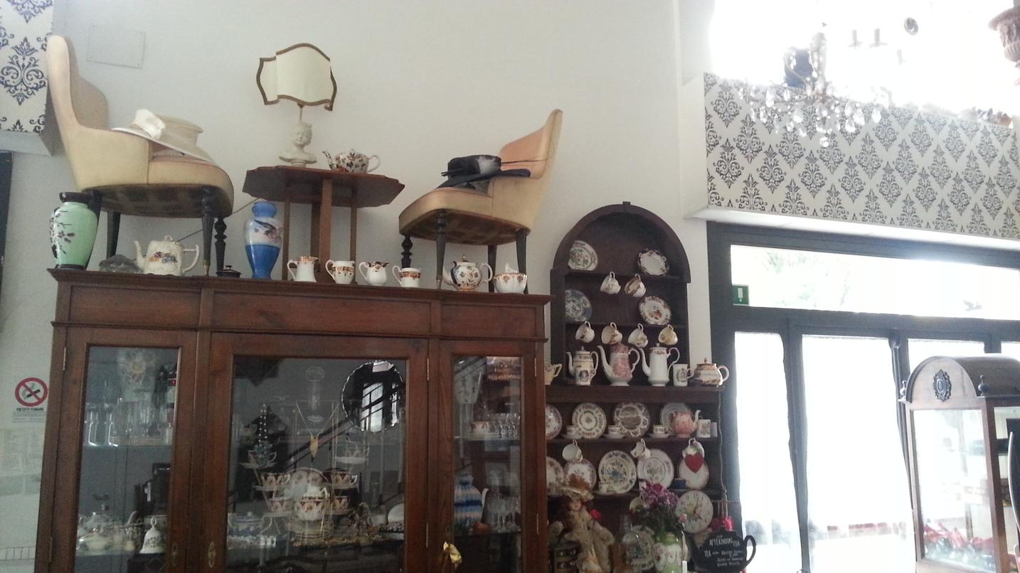 Sala Da Bagno In Inglese : British corner roma una sala da tè al pigneto