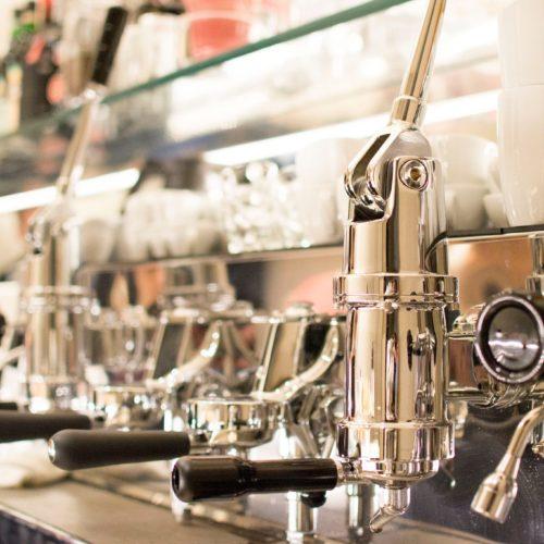 Roscioli Caffè Roma, Arabica, tè e ostriche in piazza Cairoli