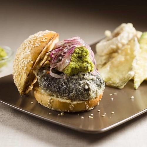 Supreme Burger Milano, hamburger con angus, fassona e cinque tipi di pane
