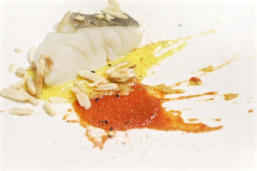 Baccalà salsa di harissa e salsa parrilla al mango