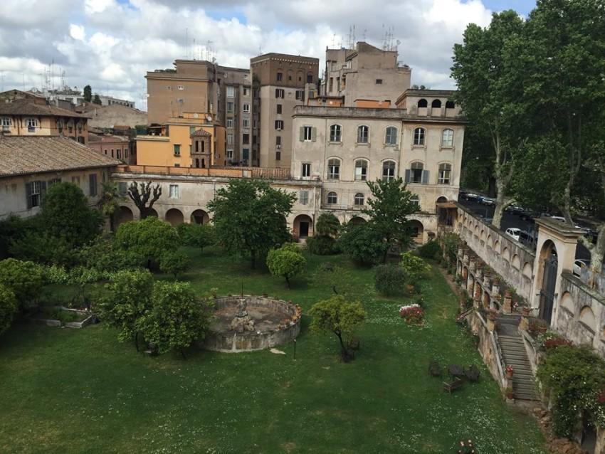 Da roma a latina giardini di ninfa