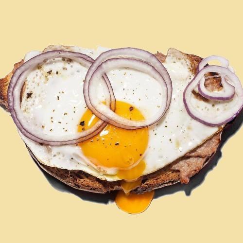 Brusco Lo Strabuono Roma, bruschette alla Bismark e cacio e pepe nel nuovo street food di Trastevere
