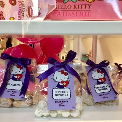 Hello Kitty Firenze, donuts macarons e cantucci nella prima pasticceria d'Europa del gattino dei fumetti