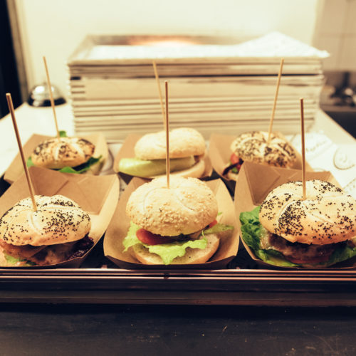 Fish and Burger Bar Milano, l'hamburgeria Myke arriva all'Isola