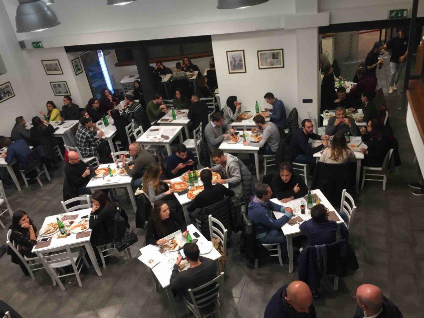 antica-pizzeria-da-michele-roma-dallalto