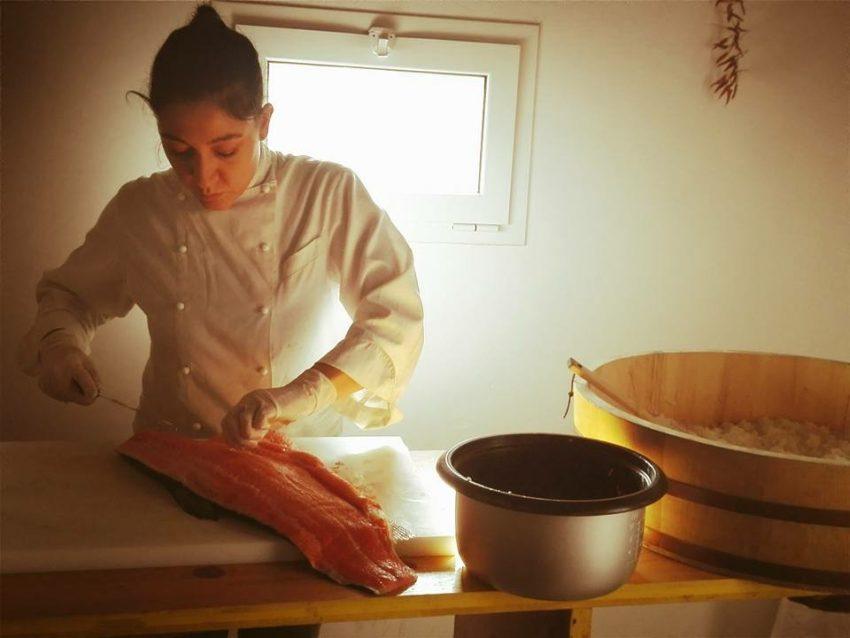 viola cucina cruda