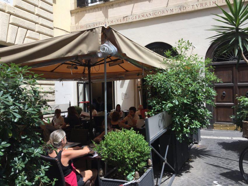 Mangiare all'aperto in centro a Roma
