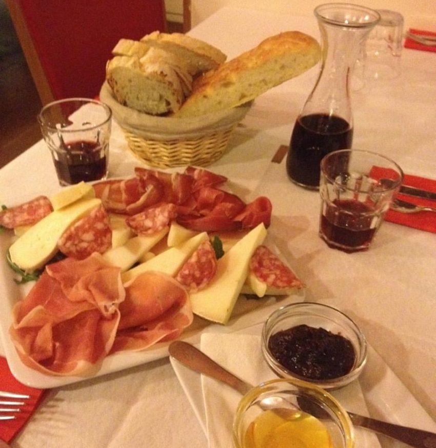Migliori aperitivi roma venti indirizzi per cocktail e for Migliori piani di casa artigiano