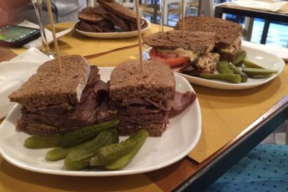 Dad's Deli Pastrami & more Milano, panini con la carne speziata come a New York in via Sottocorno