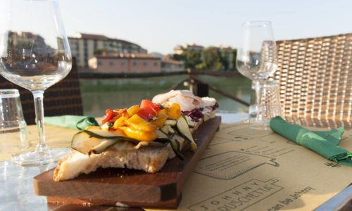 Nuove aperture Firenze giugno 2017, in San Frediano arriva Momio, Johnny Bruschetta all'Albereta con Dog bar