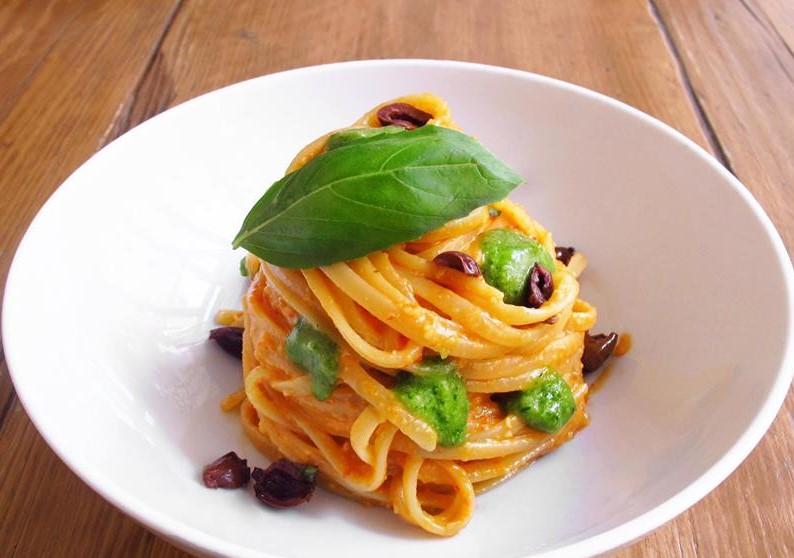 Orto erbe e cucina Milano, il basilico protagonista del menu estivo ...
