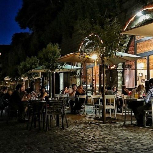 Mangiare all'aperto a Roma, ristoranti e trattorie con dehors e giardini: i migliori indirizzi