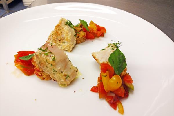 tonno-in-crosta-con-pomodorini-ricetta-facile