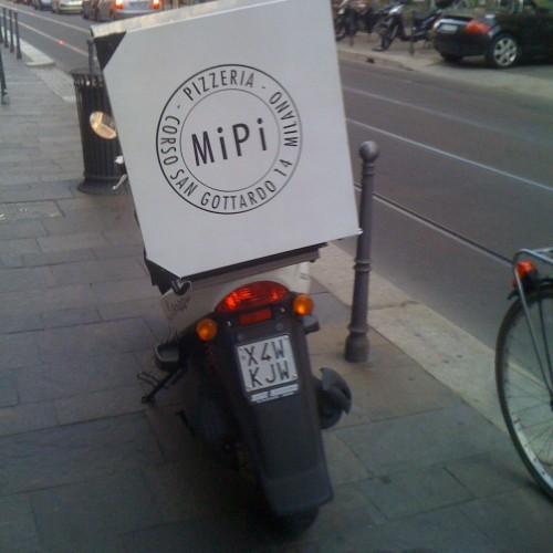 Mipi a Milano, 18 cm di mini pizze