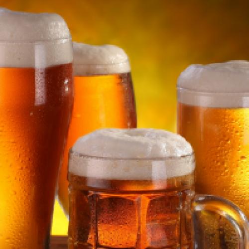 Arriva la birra con l'etichetta per le calorie: whiskey e vino fanno ingrassare di più