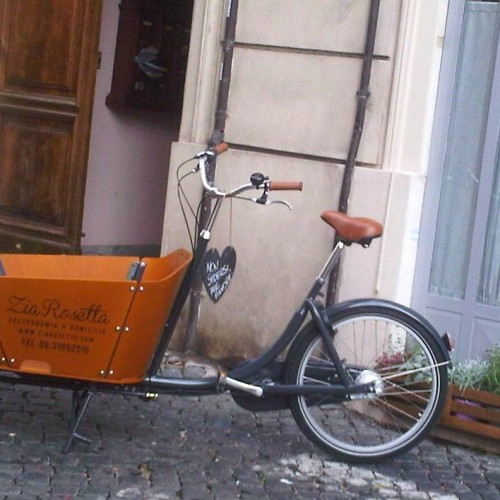 Rione Monti, zia Rosetta in bicicletta