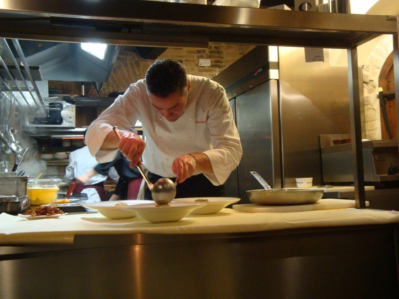 Lavoro nero io cuoco sfruttato - Corsi di cucina genova ...