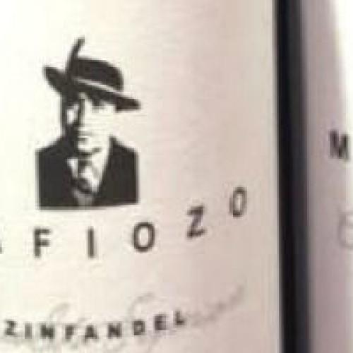 """Svezia, in vendita il vino """"Mafiozo"""" a marchio Igp: dopo Don Panino, il marketing insiste sull'Italia del malaffare"""