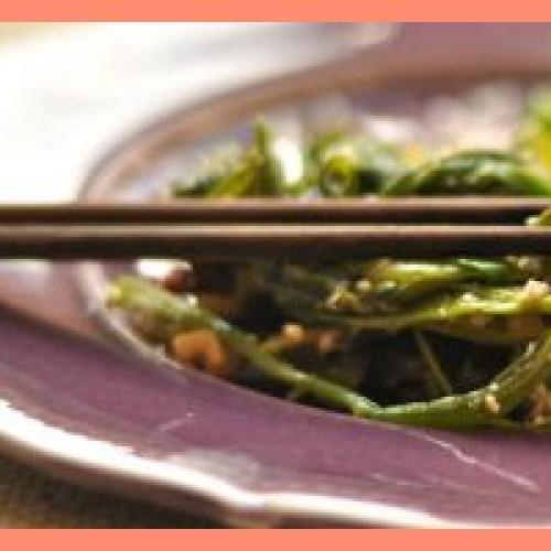 Due ricette low cost recuperando gli scarti degli alimenti con Lisa Casali e il suo blog di Ecocucina