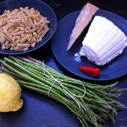 La pasta risottata con asparagi e ricotta