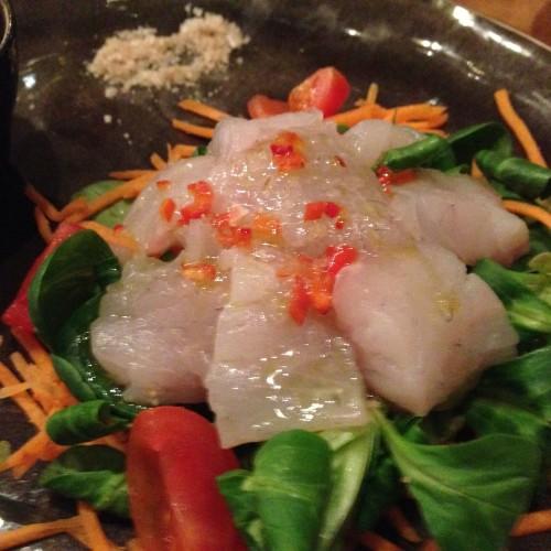 Fishbar de Milan a Brera, pesce sì ma divertente, con crudi, thai soup e fishburger