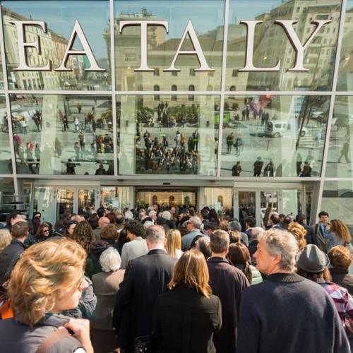 Eataly Smeraldo inaugura a Milano. Farinetti cambia verso, si scusa con Maroni e offre il manzobab