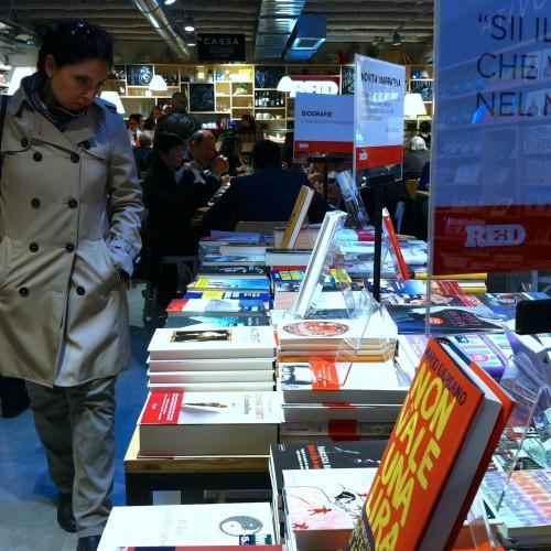 Red Feltrinelli a Firenze, vi raccontiamo com'è mangiare tra i libri (e com'è il porkburger)