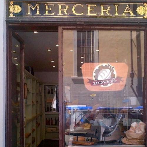 Sandwichic a Firenze, la vecchia merceria si trasforma in paninoteca